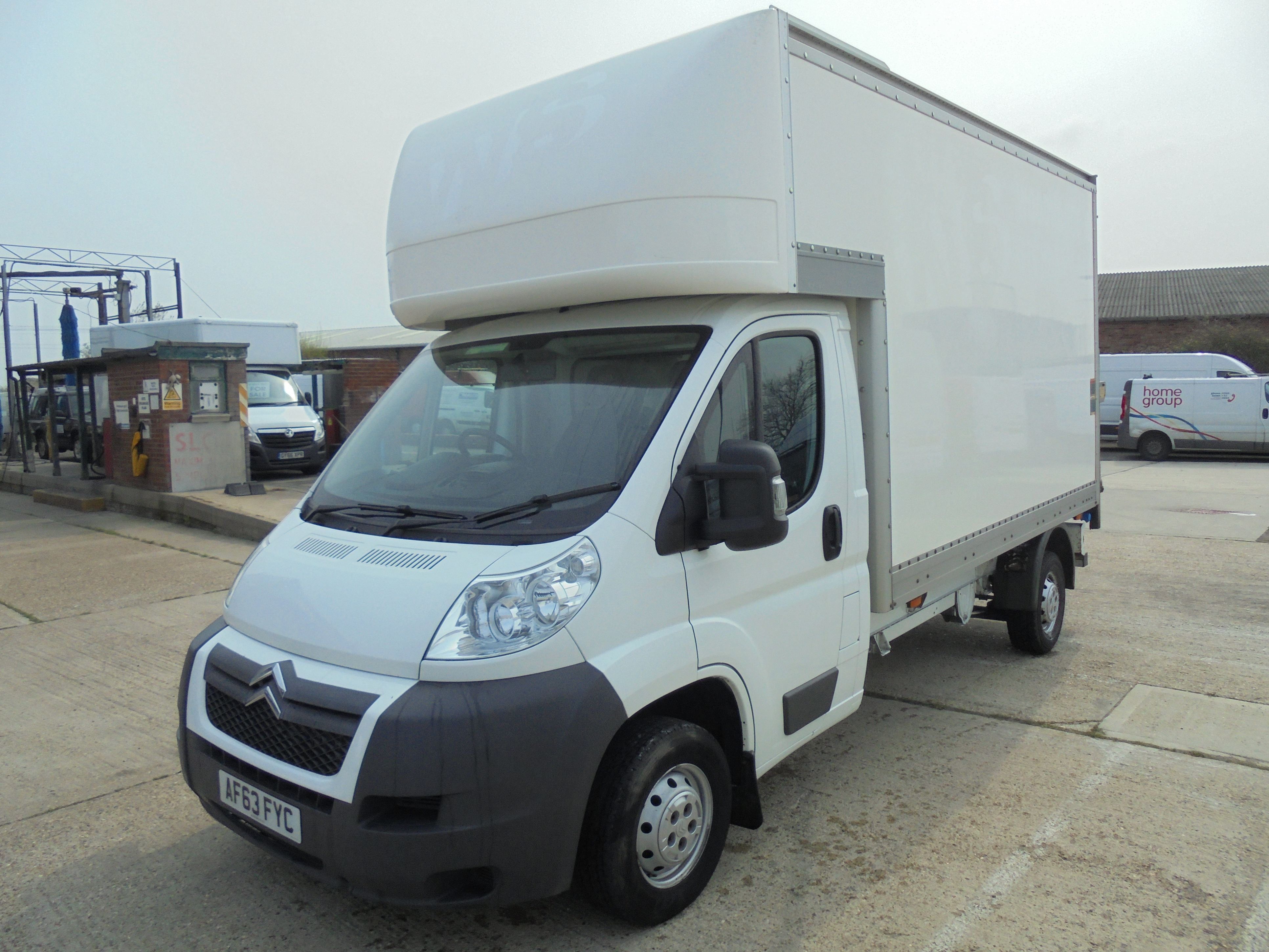 2013 63 CITROEN RELAY 11FT LUTON BODY WITH SLIMJIM